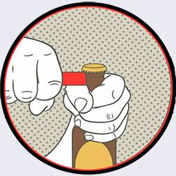 Поплотнее обхватите левой рукой горлышко бутылки, в правую руку возьмите одноразовую зажигалку - 20 способов открыть бутылку - Форум Сириус - Торез