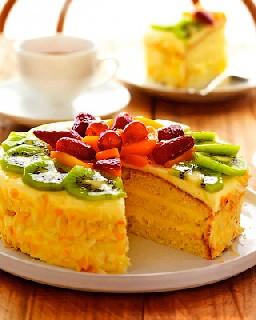 Миндальный торт с фруктами