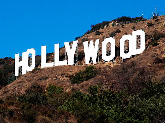 14 метровые буквы установленные на Голливудских холмах