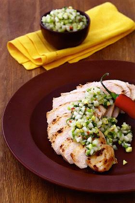 Курица-гриль с сальсой из дыни