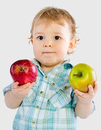 Здоровый и полезный завтрак малыша