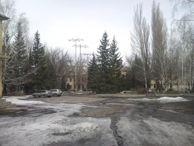 Здание комбината Шахты 3-БИС - Посёлок шахты 3-БИС. Город Торез
