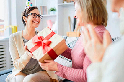 Как поздравить коллег с Новым годом?