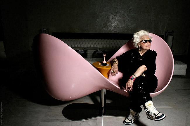 Раскручивать седовласую DJ Mamy Rock взялся один из лучших продюсеров Франции, 28-летний Орэльен Симон - DJ Mamy Rock: Бабушка-диджей - Форум Сириус - Торез