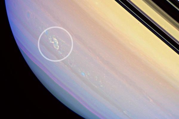 Космические грозы - Молнии Сатурна
