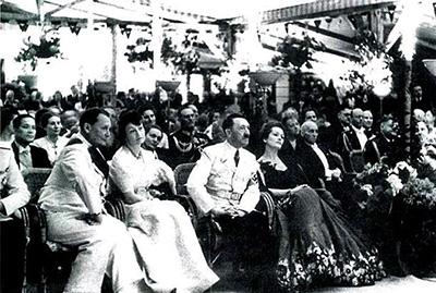 Ольга Чехова (справа) вместе с Гитлером, и Герман Геринг со своей дамой сердца - Настоящий Штирлиц. Министр III рейха или любовница Гитлера? - Форум Сириус - Торез
