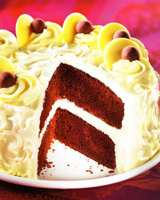 Американский торт «Красный бархат»