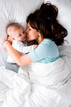 Сон младенеца. Мама и малыш, спать необходимо вместе или раздельно? - Форум Сириус - Торез