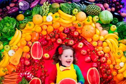 Радуга на тарелке. Почему нужно есть овощи и фрукты всех цветов радуги?