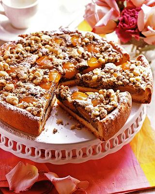 Абрикосовый пирог с кремом