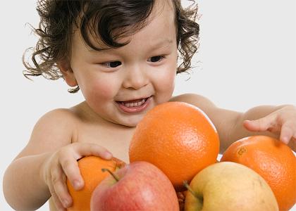 Фруктово-ягодный прикорм малышей
