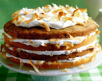 Кокосовый торт со сливками