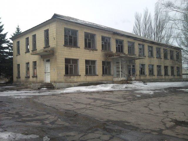 В некоторых зданиях начали хозяйничать мародеры - Посёлок шахты 3-БИС. Город Торез