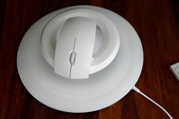 Левитирующая беспроводная компьютерная мышь Bat дизайнера Вадима Кибардина - Форум Сириус - Торез