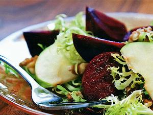 Салат из свеклы с грецкими орехами - Правильное летнее меню