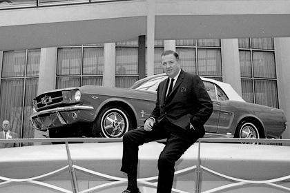 Внук Генри Форда, Генри Форд II - Падение Детройта - крах авто-империи
