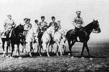 Охрана русских Царей - В числе других служб охрану Николая II нес собственный его императорского величества конвой