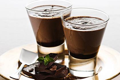 Кофейный мусс с шоколадом и орехами