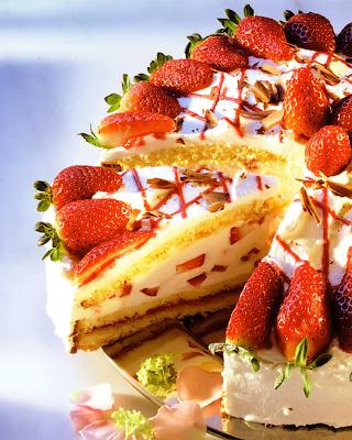 Клубничный торт-купол