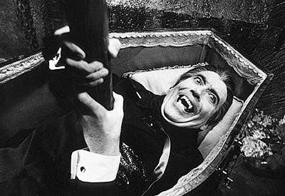 Считается, что уничтожить вампира можно, лишь вбив ему в сердце осиновый кол - Встающие из гроба. Вампиры - миф и реальность - Форум Сириус - Торез