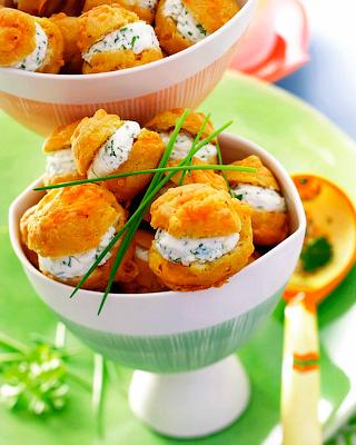 Профитроли с сыром и зеленью