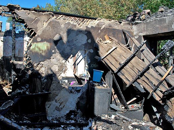 Перекрытия дома деревянные - Пожар на улице Ленина 6 сентября 2012 года - Форум Сириус - Торез