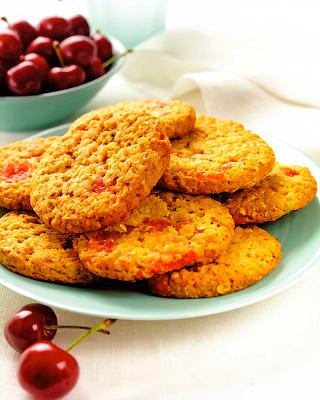 Печенье с вишней и миндалем