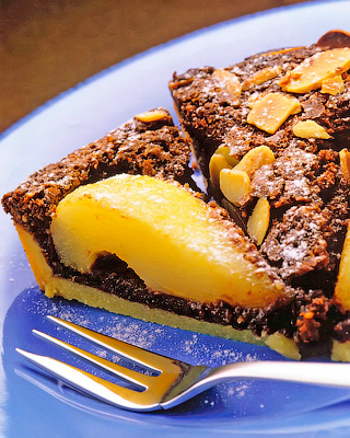Шоколадный тарт с грушами