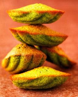 Мадлен с чаем маття   Крошечные пирожные  источающие тонкий аромат японского порошкового чая маття