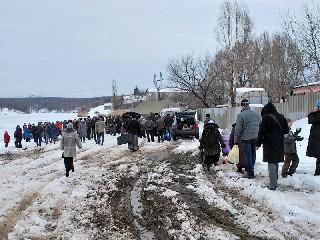Поход к священному пруду Крещение в Торезе 19 января 2013 года на Новой плотине