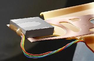 Часть микросхемы из компьютера   Обычные вещи крупным планом