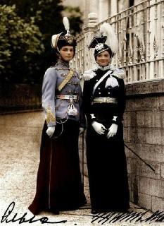 Великие княжны Ольга и Татьяна Романовы  1913 г
