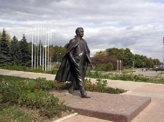 Прижизненный памятник Иосифу Кобзону