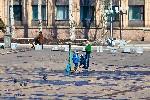 Весенняя ёлка на площади в Торезе